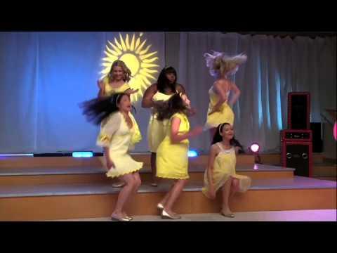 Full Performance of 'Halo,Walking On Sunshine' from 'Vitamin D' |GLEE