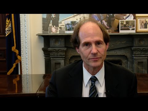 Advise the Advisor: Cass Sunstein
