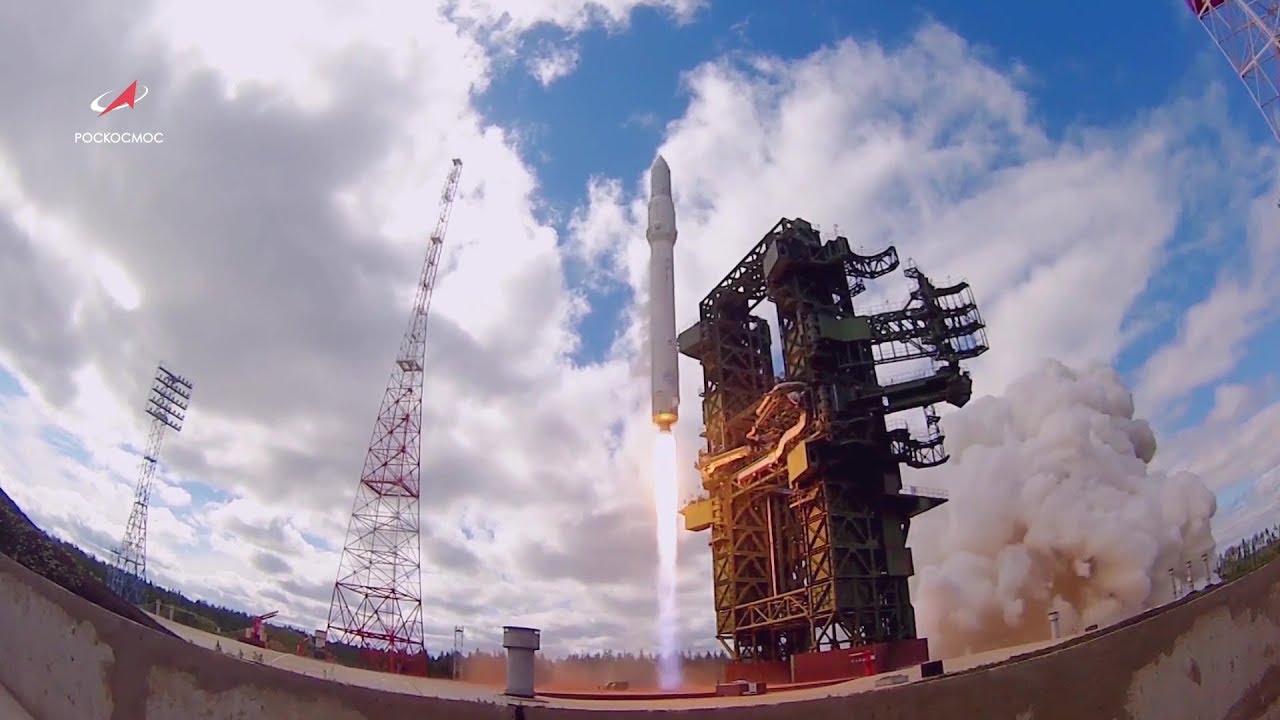 Сборка тяжелой ракеты-носителя «Ангара»