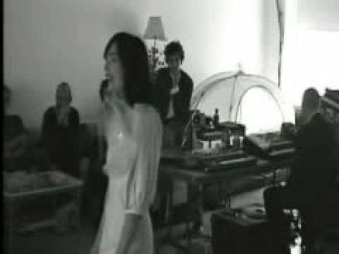 Björk - Unravel (Loft Rehearsal)