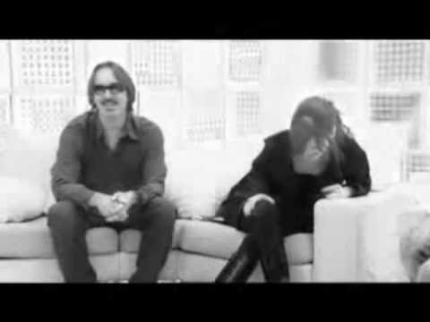 Garbage - Girl Don't Come (fan video)