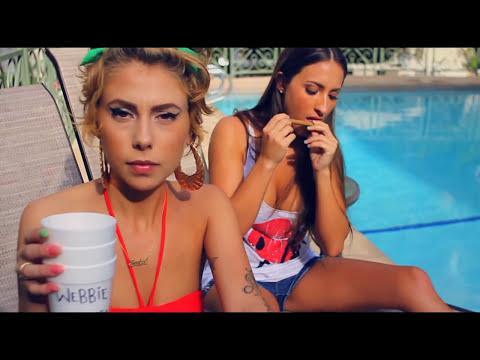 "LiL' DEBBiE & DOLLABiLLGATES ""2 CUPS"" (Official Video)"