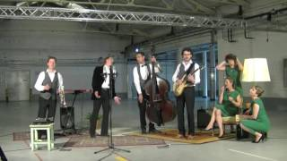 Bekijk video 4 van Swing Sisters op YouTube