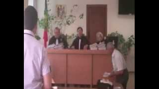 Judecători CAC şi procurorul nu sunt atenţi la şedinţă