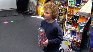 What Would You Do: Mom argues with child over gender appropriate toys | WWYD