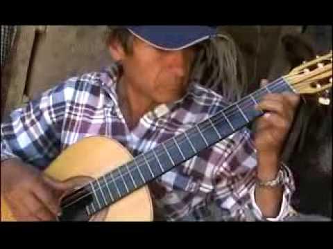 helme-guitarra ayacuchana-demetrio rojas