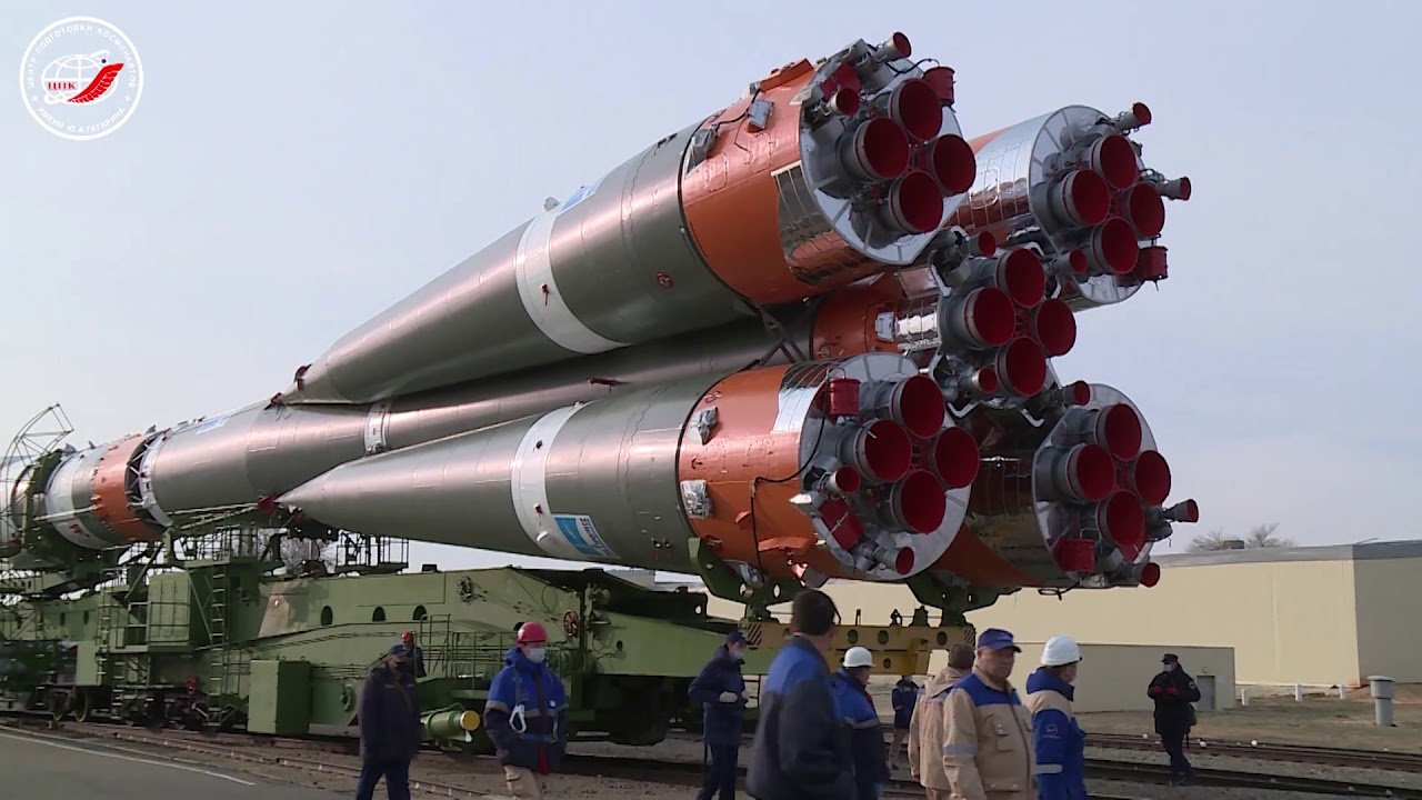 «Союз МС-16» вывезли на старт
