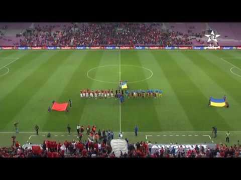 من قلب سويسرا .. شاهد لحظة عزف النشيد الوطني المغربي قبل بداية مباراة أوكرانيا