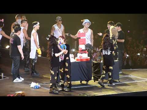 [FANCAM] 2014 2NE1 AON Manila - In or Out + Anniversary Message
