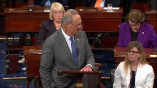 Schumer's voice trails off as he pays tribute to McCain