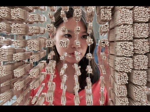 Iznenađujuće Džeki Čen portret od štapića