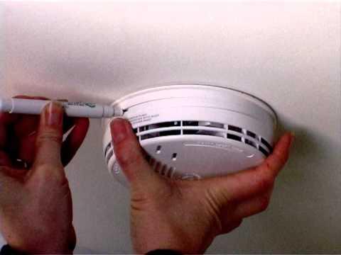 Remove An Ei141 Smoke Alarm Youtube