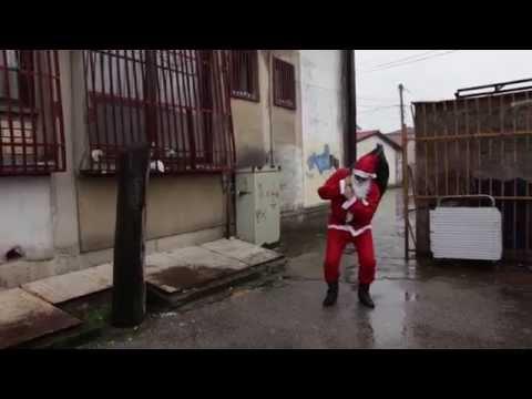 5 различни гевгелиски Дедо Мразовци