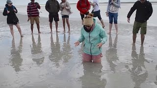 How to escape quicksand at Mont Saint Michel in France (with caption)