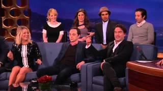 """El elenco de The Big Bang Theory """"odia"""" a Kaley Cuoco por su buena memoria"""
