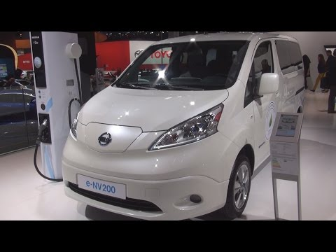 Nissan E-NV200 Evalia (2016) Exterior and Interior in 3D
