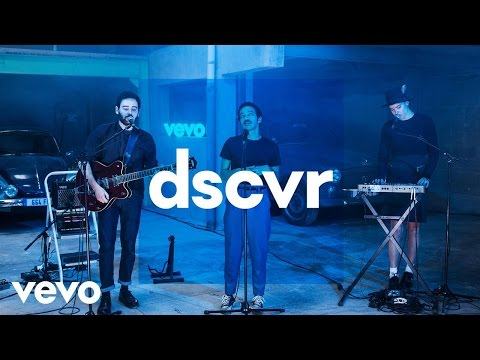 Adam Naas - Fading Away - Vevo dscvr France (Live)