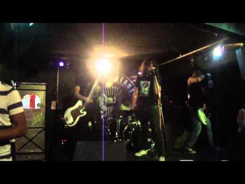 Baixar Ramones Cover - Banda Poison Heart - 07/12/12 Choperia Lolla Palooza - Surfin Bird e Cretin Hop
