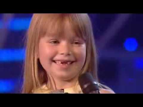 niña de 6 años con impresionante voz XD