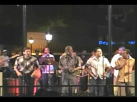 Bobby Valentin Homenaje a Marvin Santiago-Yo No Me Quedo Aqui
