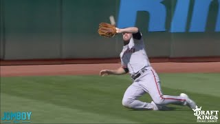 Giants outfielders drop three fly balls in a row, a breakdown