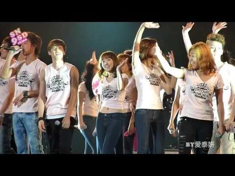 [Fancam] 100904 SNSD SJ SHINee f(x)- Ending @ SM Town LA Concert 2010