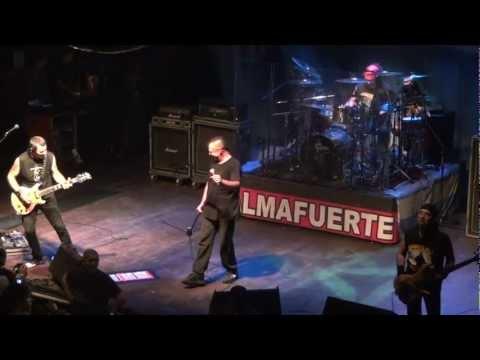 Almafuerte - El Visitante - El Teatro Flores (25-2-2012) HD