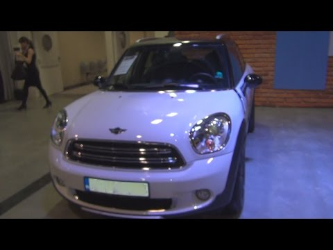 MINI Cooper D Countryman ALL4 (2015) Exterior and Interior in 3D