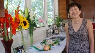 Cooking With Mrs. Nguyen: Pho Bo -- Vietnamese Beef Noodle Soup