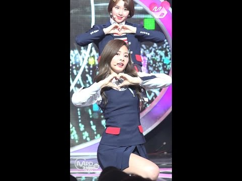 [MPD직캠] 트와이스 쯔위 직캠 'SIGNAL' (TWICE TZUYU FanCam) | @MCOUNTDOWN_2017.5.18