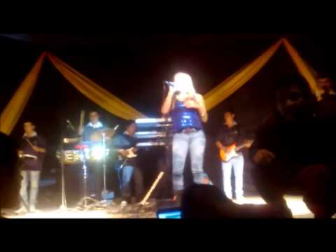 LOS GUARDIANES DE LA CUMBIA _LAS BREÑAS CHACO_SHOW EN VIVO (grabado desde un celular :D )