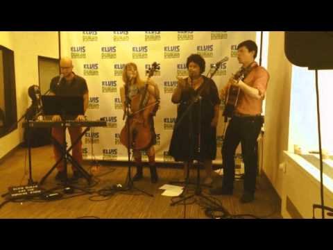 "Bandits On The Run & Ronnie cover Sia's ""Chandelier"" on Elvis Duran & the Morning Show"