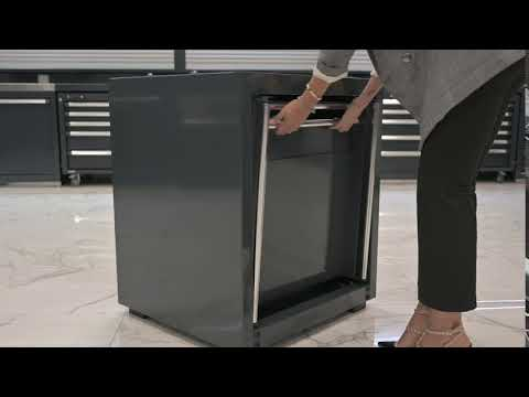 <p>36 cm wide module complete with an extractable drawer capable of supporting up to&nbsp;<strong>2 spools (air, electricity, or water)</strong>&nbsp;and two electrical outlets (industrial or residential). The extractable drawer provides for easy installation and maintenance.</p>