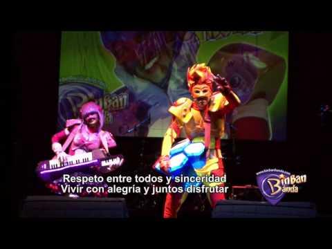 MUSICA INFANTIL  Para niños LA MEJOR canción bilingue. MI FAMILIA ES UNICA. BinBanBanda