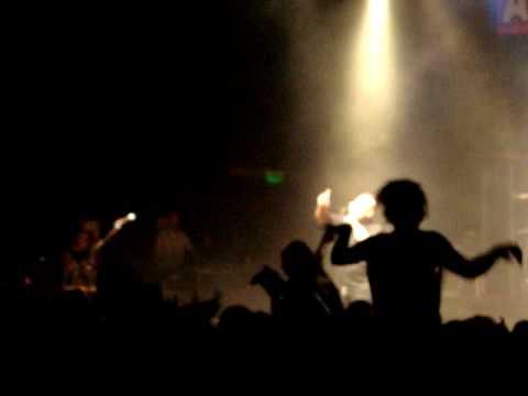 El visitante.MPG ALMAFUERTE en vivo en el Teatro de Flores 27 -02 -2010