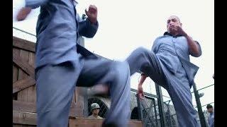 新兵剛進監獄,就有獄霸來欺壓,身高體壯又如何?新兵一個迴旋踢解決戰鬥
