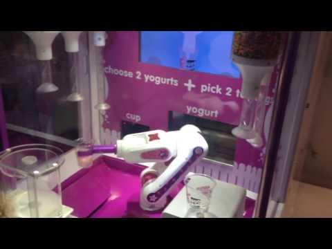 Robot making Frozen Yogurt!