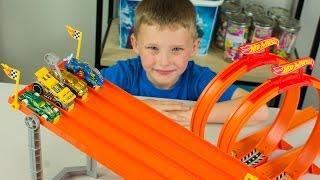 Hot Wheels Cars 4 Lane Elimination Race Dash & Crash Speedway Hot Wheel Races Toy Kinder Playtime