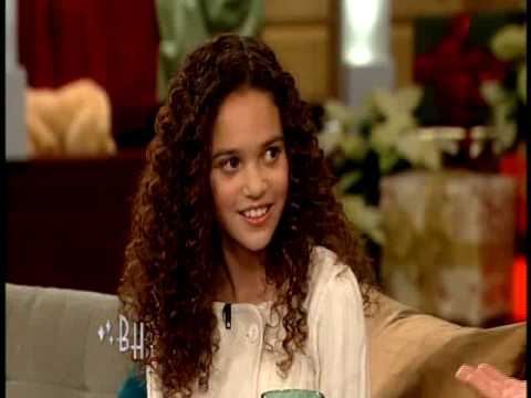 Madison Pettis Gets Her Christmas Wish from Bonnie Hunt ...
