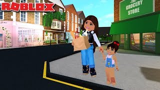 OUR FIRST DAY OUT IN THE TOWN | Bloxburg Family Roleplay