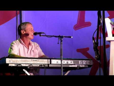 Валерий Сюткин - Любите девушки (фестиваль, Сочи)