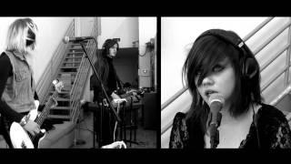 Rose Elinor Dougall - Hanging Around (Live Groupee Session)