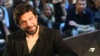 LE INVASIONI BARBARICHE - Daria Bignardi intervista Pierfrancesco Favino