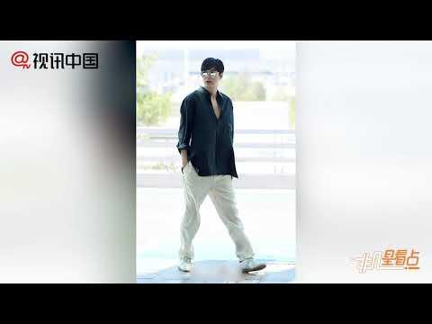 【今天】李敏鎬帥氣現身機場 襯衫隨性笑容燦爛