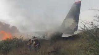 Passengers capture dramatic footage of Aeroméxico plane crash