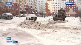 Омские дворы за новогодние каникулы буквально засыпало снегом