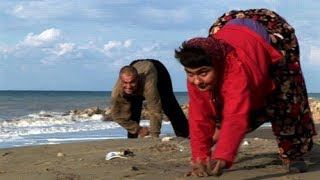 Extraordinary People - The Family That Walks On All Fours
