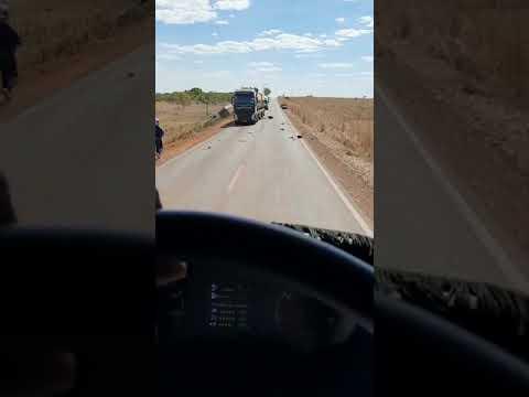 Colisão fatal entre caminhonete e caminhão na MT-326 em Canarana