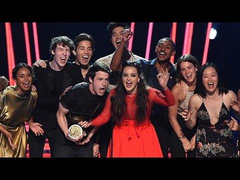 13 Reasons Why Cast Celebrates Season 2 Renewal at 2017 MTV Movie & TV Awards