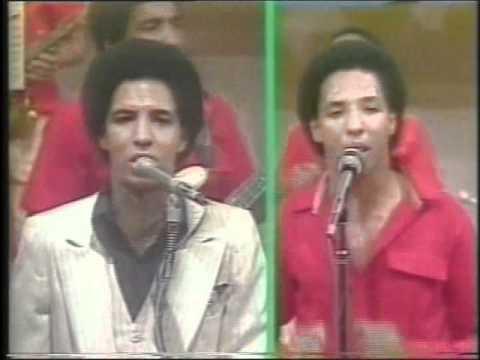 BONNY CEPEDA Y EL ZAFIRO EN LOS AÑOS 70.avi